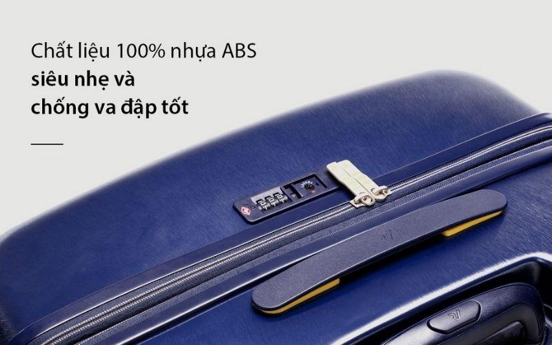 Độ bền và chắc chắn của vali cũng phụ thuộc vào chất liệu